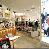 「GLOBAL WORK CAFE」と「サランラップ人形」